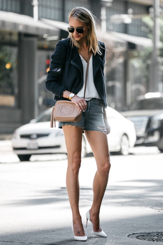 How to wear: black blazer, white v-neck t-shirt, blue denim shorts, white leather pumps