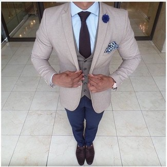 How to wear: beige blazer, grey waistcoat, light blue dress shirt, navy chinos
