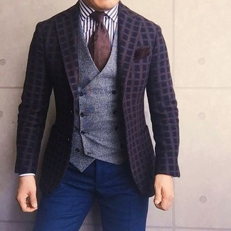 Go for a dark brown check wool blazer and navy dress pants for a sharp, fashionable look. As you can see here, this outfit is a really good choice, especially for unpredictable fall weather, when the temperature is getting lower.