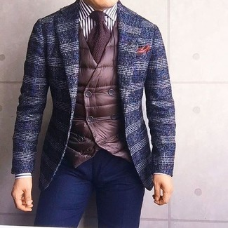 This combo of a navy plaid wool blazer and navy chinos is perfect for a night out or smart-casual occasions. When you have one of those gloomy autumn days, sometimes only a kick-ass look like this one can get you out the door in the morning.