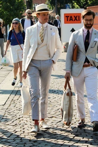 How to Wear a Beige Blazer For Men: This combo of a beige blazer and grey dress pants is a life saver when you need to look incredibly sophisticated. White leather oxford shoes integrate nicely within many getups.