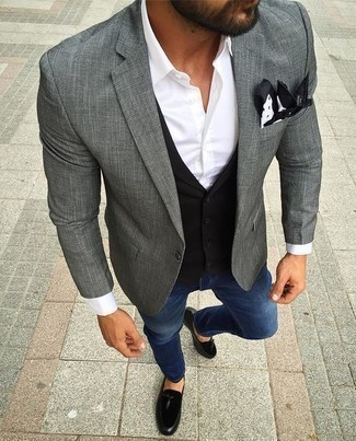 Grey Blazer with Blue Jeans Outfits For Men: Infuse an air of relaxed refinement into your daily wardrobe with a grey blazer and blue jeans. Rounding off with a pair of black suede tassel loafers is a surefire way to add a bit of fanciness to this look.