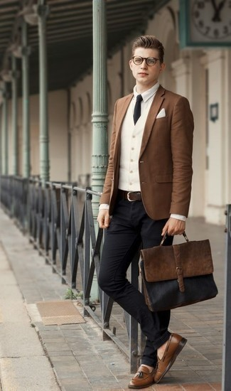 Which Chinos To Wear With a Brown Blazer: A smart casual pairing of a brown blazer and chinos can maintain its relevance in many different circumstances. To give your overall look a more polished spin, why not complement this ensemble with brown leather tassel loafers?