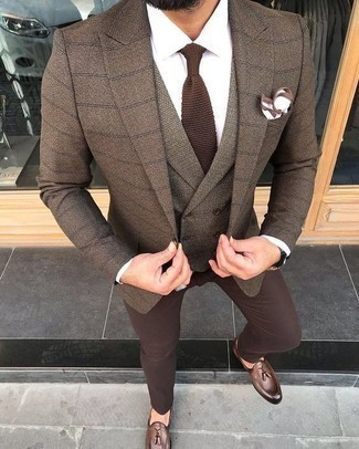 Brown Knit Tie Outfits For Men: A brown check blazer and a brown knit tie are absolute wardrobe heroes if you're crafting a classic wardrobe that holds to the highest sartorial standards. The whole getup comes together when you complement your look with a pair of brown leather tassel loafers.