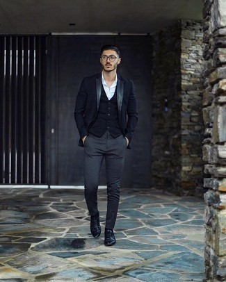 Navy Blazer Outfits For Men: This combination of a navy blazer and charcoal chinos is a safe option when you need to look effortlessly sophisticated but have zero time. You could perhaps get a bit experimental with shoes and add a pair of black leather derby shoes to the mix.