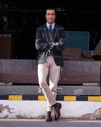 Navy and White Print Tie Outfits For Men: Consider teaming a navy and green plaid blazer with a navy and white print tie to have all eyes on you. A pair of brown leather derby shoes is a nice choice to complement this outfit.
