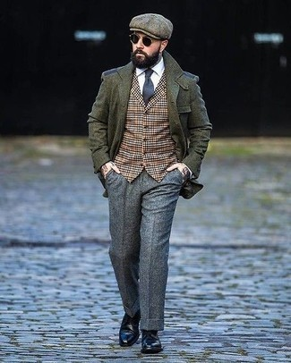 Flat Cap Outfits For Men: For an outfit that's pared-down but can be modified in a ton of different ways, pair an olive wool blazer with a flat cap. To introduce a bit of flair to this look, add a pair of black leather derby shoes.