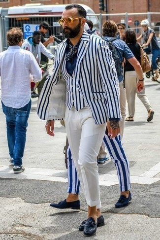 Bandana Outfits For Men: If you're on the hunt for a contemporary but also seriously stylish outfit, team a white and navy vertical striped blazer with a bandana. Let your sartorial expertise really shine by finishing this outfit with navy leather tassel loafers.