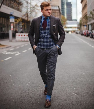 Charcoal Wool Chinos Outfits: A dark brown check wool blazer and charcoal wool chinos worn together are a nice match. For something more on the smart end to complement this outfit, complete your ensemble with dark brown leather tassel loafers.