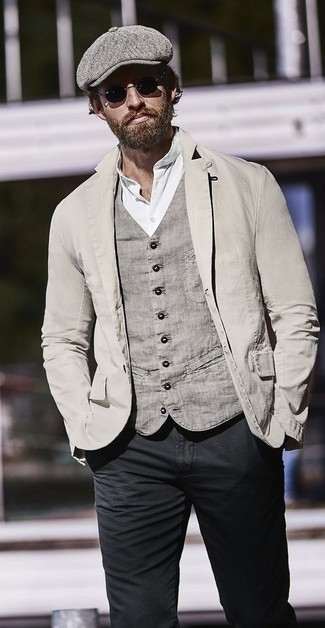 Try pairing a henley shirt with black skinny jeans for a weekend-friendly look. Can you see how very easy it is to look seriously stylish and stay toasty come fall, all thanks to getups like this one?