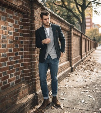 Brown Suede Desert Boots Outfits: The go-to for effortlessly sleek menswear style? A charcoal wool blazer with blue jeans. All you need is a good pair of brown suede desert boots to round off your look.
