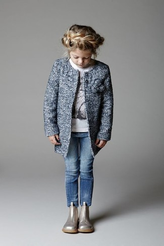 How to wear: blue coat, white long sleeve t-shirt, blue jeans, silver boots