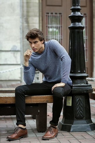 How to Wear Black Jeans For Men: Wear a blue crew-neck sweater with black jeans to put together a cool and casual outfit. Finish this ensemble with brown leather brogues to shake things up.