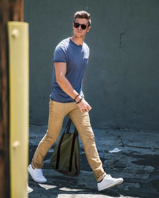 How To Wear White Sneakers With Beige Jeans In Summer Casually For Men: If you don't like getting too predictable with your ensembles, wear a blue crew-neck t-shirt and beige jeans. White sneakers can instantly dial down a smart getup. This look is a safe option if you're on the hunt for a great, summer-appropriate look.