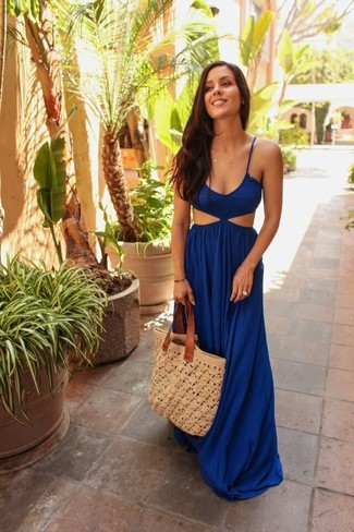 How to wear: blue cutout maxi dress, beige crochet tote bag
