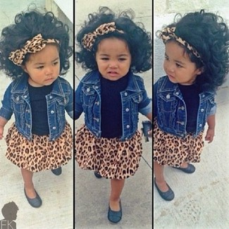 How to Wear a Blue Denim Jacket For Girls: This combo of a blue denim jacket and a brown leopard skirt has all the potential to become your little one's favorite. Black ballet flats are a nice choice to finish off this getup.