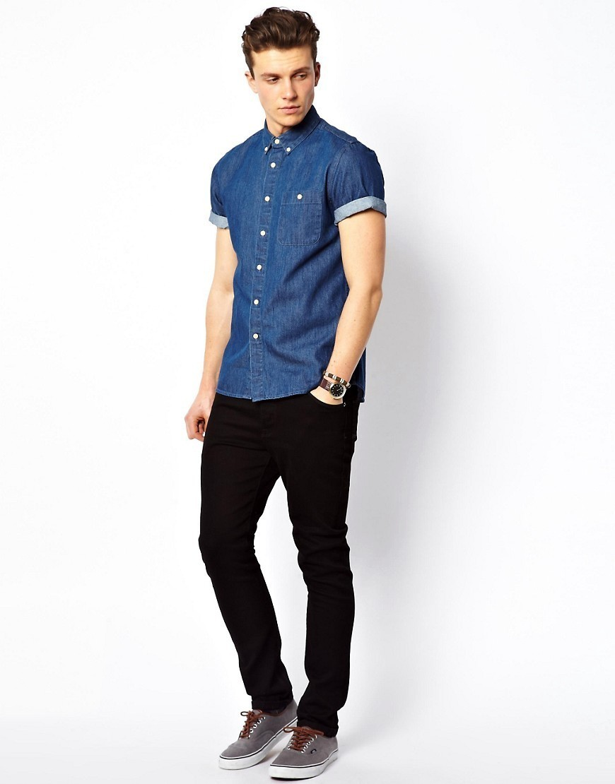 ce7f5802702 How to Wear a Blue Denim Short Sleeve Shirt For Men (7 looks ...
