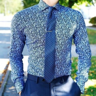 How to wear: blue floral dress shirt, blue dress pants, blue print tie