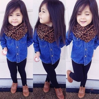 How to wear: blue denim long sleeve shirt, black leggings, brown oxford shoes, brown scarf