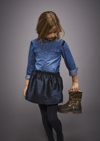 How to Wear a Black Skirt For Girls: Help your daughter look fashionable by suggesting that she go for a blue denim long sleeve shirt and a black skirt. Complete this ensemble with dark brown boots.