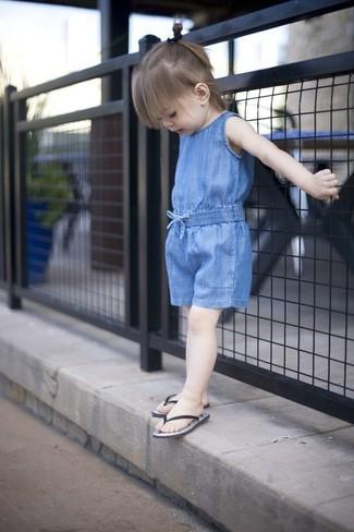 How to wear: blue romper, black sandals