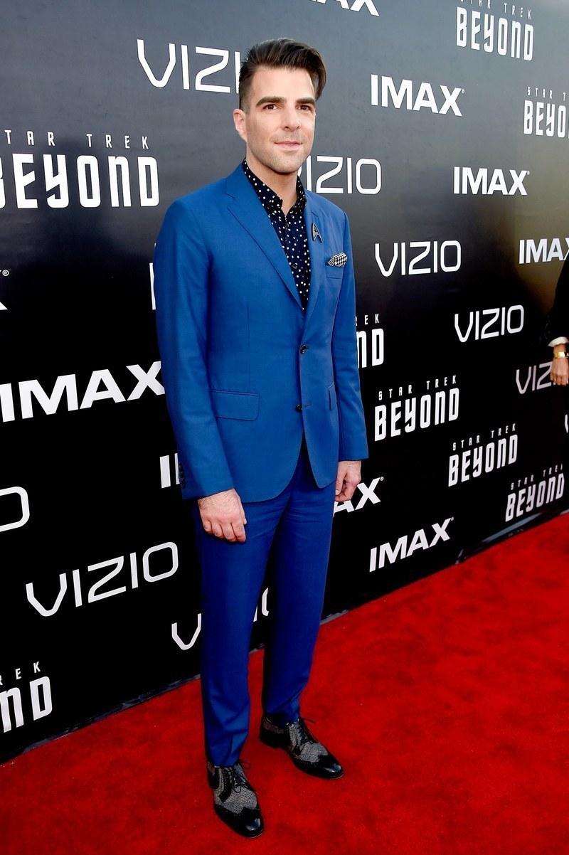 Blue suit black shirt suit la for Navy suit black shirt