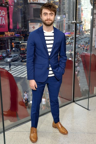 How to wear: blue suit, white and navy horizontal striped crew-neck t-shirt, tan leather oxford shoes