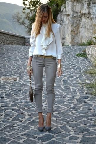 ca15280635 ... Look de moda  Blusa de manga larga con volante blanca