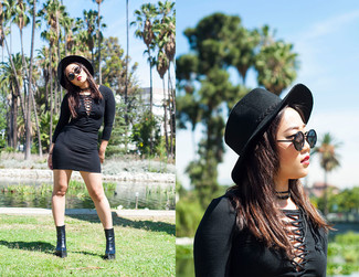 How to wear: black bodycon dress, black chunky leather ankle boots, black wool hat, black sunglasses