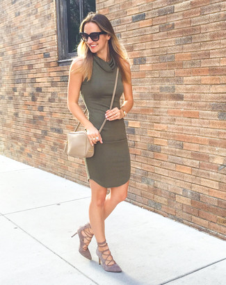 Dark Green Bodycon Dress Outfits: This outfit with a dark green bodycon dress isn't a hard one to achieve and easy to change according to circumstances. And if you want to immediately up the style ante of your getup with shoes, introduce a pair of grey suede pumps to the mix.