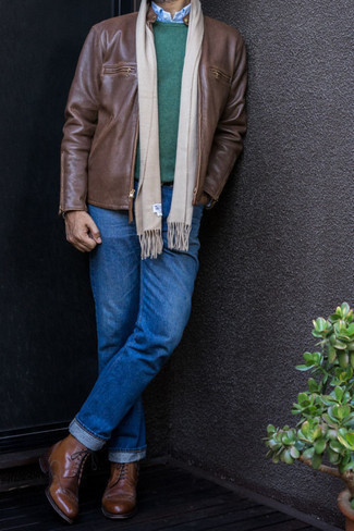 Brogue Boots Outfits: A brown leather bomber jacket and blue jeans are a pairing that every fashion-savvy gent should have in his casual wardrobe. For a truly modern on and off-duty mix, complete this outfit with a pair of brogue boots.