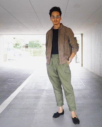 How to Wear Mint Pants For Men: You'll be amazed at how easy it is for any guy to put together this off-duty ensemble. Just a tan suede bomber jacket worn with mint pants. For something more on the elegant end to finish your outfit, add a pair of black suede tassel loafers to your look.