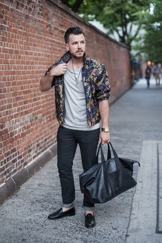 How to Wear a Black Leather Duffle Bag For Men: To pull together a relaxed outfit with an edgy twist, wear a navy print bomber jacket and a black leather duffle bag. For a more sophisticated twist, complete your getup with black leather loafers.