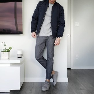 Charcoal Jeans Outfits For Men: The mix-and-match capabilities of a navy quilted bomber jacket and charcoal jeans ensure they will be on permanent rotation in your wardrobe. Consider a pair of grey leather low top sneakers as the glue that pulls your outfit together.