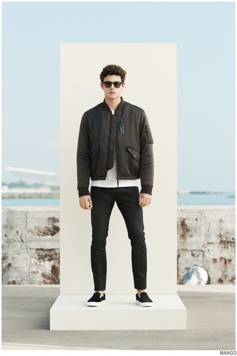 How To Wear Black Jeans With an Olive Bomber Jacket | Men's Fashion