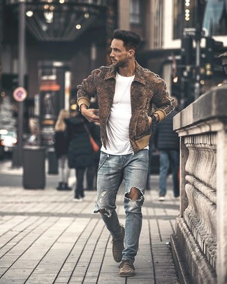 How to wear: brown wool bomber jacket, white crew-neck t-shirt, light blue ripped skinny jeans, grey suede desert boots