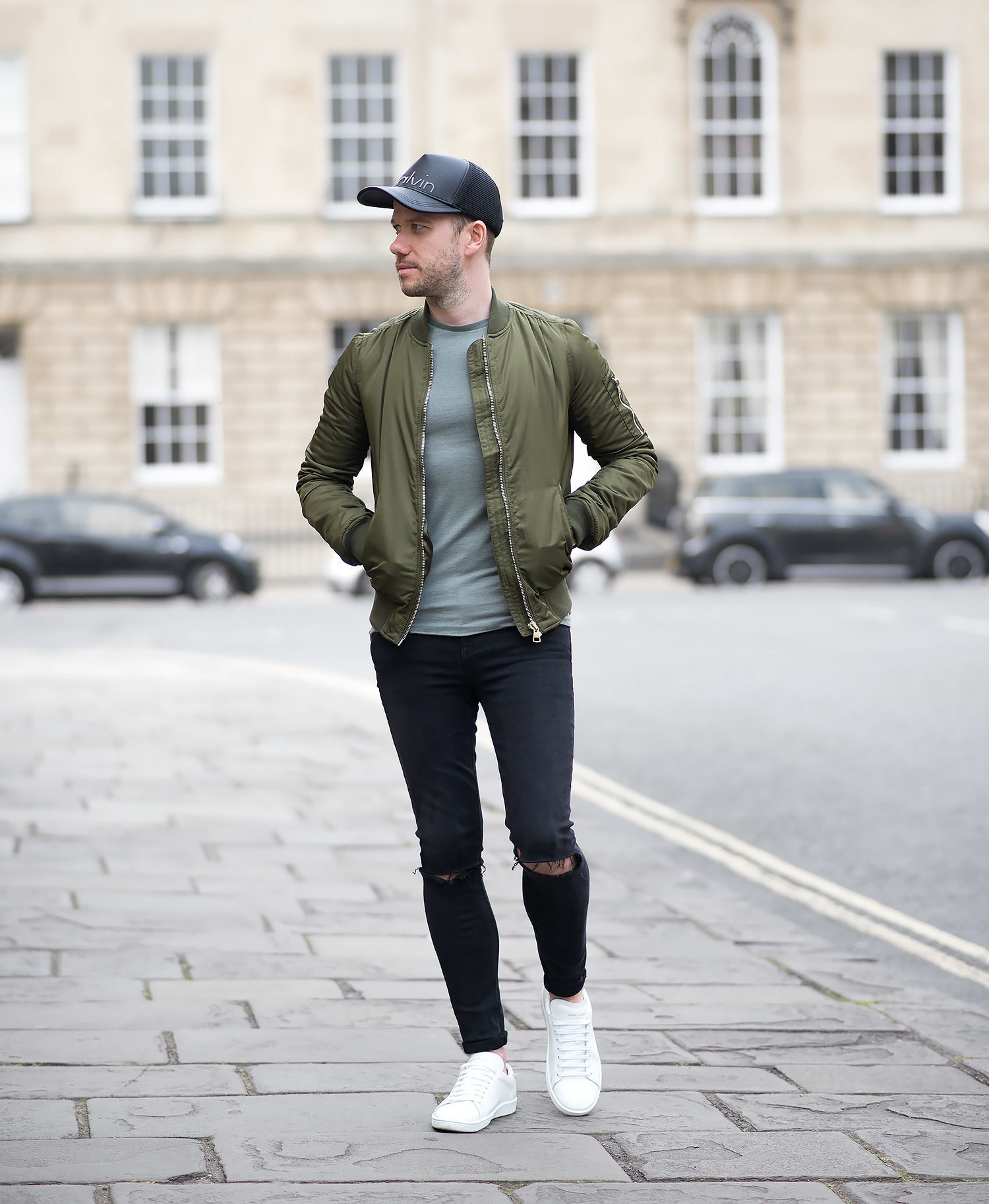 a02b1dcc7 How To Wear Black Jeans With an Olive Bomber Jacket For Men (20 ...