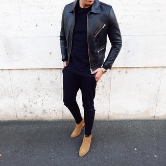 How to Wear Tan Suede Chelsea Boots In Warm Weather For Men: If you're scouting for an off-duty yet dapper outfit, opt for a black leather bomber jacket and black chinos. A pair of tan suede chelsea boots will put a different spin on your ensemble.