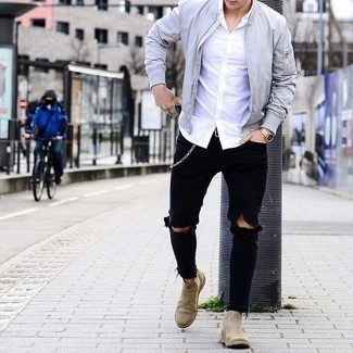 Tan Suede Chelsea Boots with Black Jeans Outfits For Men: This is indisputable proof that a grey bomber jacket and black jeans look amazing when you pair them up in a contemporary getup. A pair of tan suede chelsea boots will give a dressier twist to an otherwise standard ensemble.
