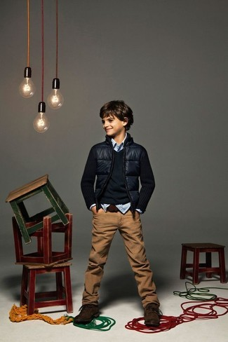 A navy bomber jacket and brown jeans are a nice outfit for your little man to wear when you go on walks. The obvious footwear choice here is dark brown boots.