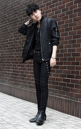 How to Wear a Black Canvas Belt For Men: Exhibit your skills in menswear styling by teaming a black bomber jacket and a black canvas belt for a modern casual outfit. Our favorite of an endless number of ways to complement this ensemble is black leather chelsea boots.