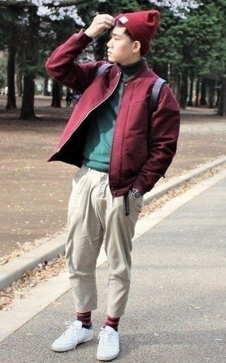 How to Wear a Burgundy Beanie For Men: This combo of a burgundy bomber jacket and a burgundy beanie will be a good reflection of your skills in men's fashion even on lazy days. White canvas low top sneakers are a fail-safe way to give a hint of elegance to your ensemble.