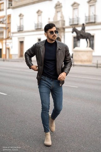 Navy Skinny Jeans Outfits For Men: Putting together a dark brown leather bomber jacket and navy skinny jeans will prove your prowess in men's fashion even on dress-down days. As for the shoes, stick to the classic route with beige suede chelsea boots.