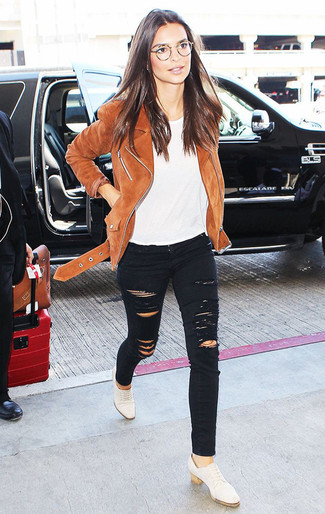 How to wear: brown suede biker jacket, white crew-neck t-shirt, black ripped skinny jeans, white leather oxford shoes