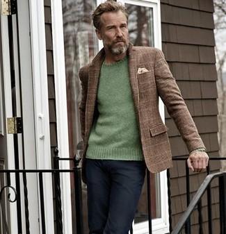 How to wear: brown plaid wool blazer, green crew-neck sweater, black jeans, beige pocket square