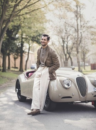 Which Chinos To Wear With a Brown Blazer: Marrying a brown blazer with chinos is an on-point idea for a classic and casual outfit. A pair of brown suede desert boots will be a stylish addition to your look.