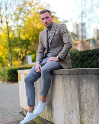 How to wear: brown check blazer, grey turtleneck, grey chinos, white leather low top sneakers