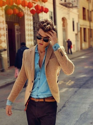 How to wear: brown herringbone wool blazer, light blue denim shirt, dark purple chinos, brown leather belt