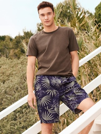 An Asos T Shirt With Crew Neck and navy print shorts are a great outfit formula to have in your arsenal. We can't get enough of this look for warm warm weather days.