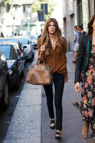 Black Leather Ballerina Shoes Outfits: This pairing of a brown dress shirt and black skinny pants is the perfect base for an outfit. Hesitant about how to round off? Introduce black leather ballerina shoes to the equation for a more casual vibe.